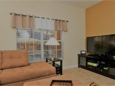 Spacious living room - Paradise Palms townhome