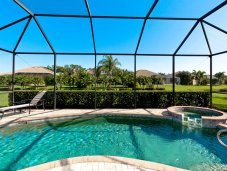 Screened patio with pool and spa - Bradenton