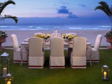 Mansions at Acqualina - dining at the beach